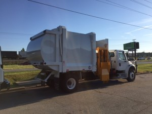 Sideview G-S Side Loader Garbage Truck
