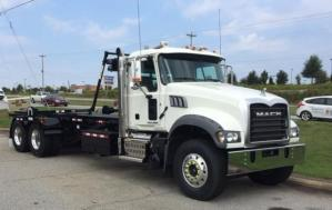 Roll-Off Truck – 2016 MACK GU433 with Galfab Cable Hoist
