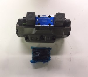 Stationary 4 Yard Compactor Directional Valve NL560054