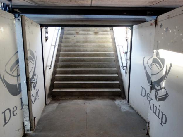 De Kuip wyjście z tunelu