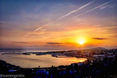 Levé de soleil sur la mer méditerranée