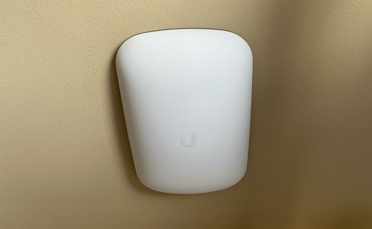 "Unifi Wifi extender ""Beacon HD"""