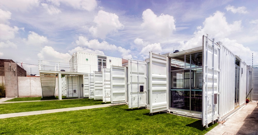 Escuela construida con containers o contenedores - Escuela arquitectura valladolid ...