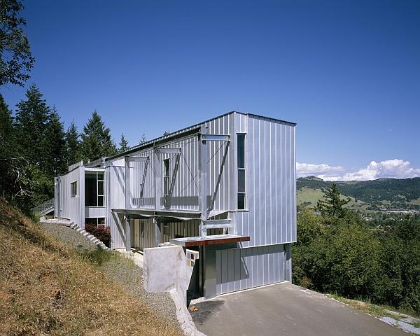 stunning sculptural residence