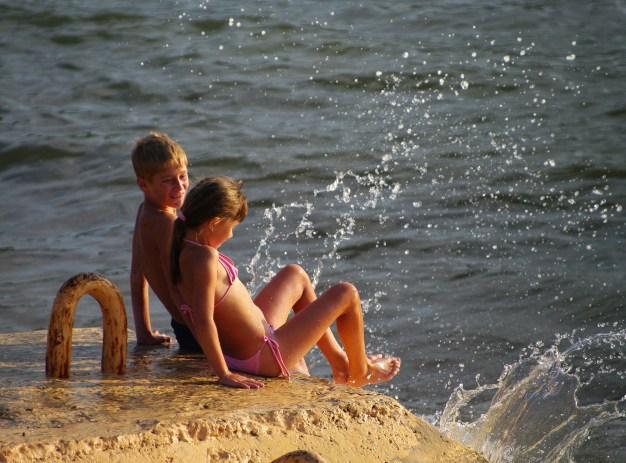 06 Beach Kids
