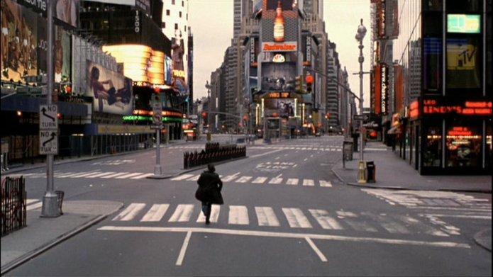 Vanilla-Sky-Tom-Cruise-empty-Times-Square
