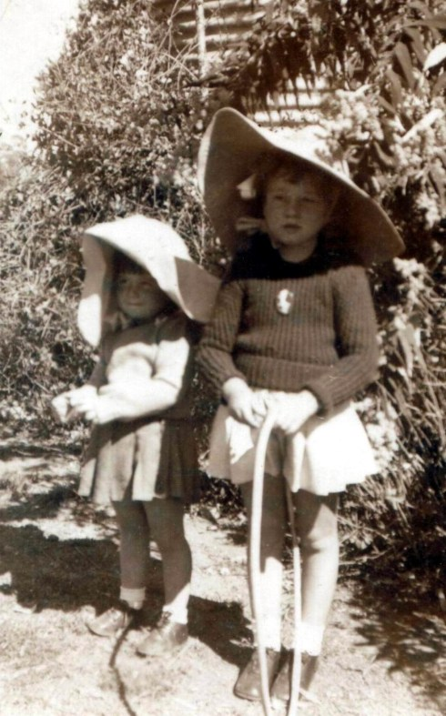 ecff6d244e8 Across the Valley  An Australian Childhood — Elizabeth Thomas