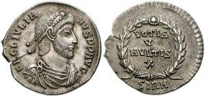 Figura 11) Giuliano II Augusto. 360-363 AD. AR Siliqua (18mm, 2.11 g ). Zecca di Sirmium. FL CL IVLIA-NVS PF AVG, capo barbato diademato con perle, busto corazzato e drappeggiato rivolto a destra / VOTIS/V/MVLTIS/X in quattro righe inscritto in una corona d'alloro; SIRM. RIC VIII 102; RSC 164†a. (www.cngcoins.com)