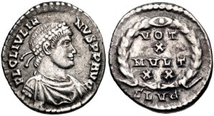 Figura 19) Giuliano II Augusto. 360-363 AD. AR Siliqua (16 mm, 2.07 g, 6h). Zecca di Lugdunum. FL CL IVLI-ANVS P F AVG, capo diademato con perle, busto corazzato e drappeggiato rivolto a destra / VOTIS /X/ MVLTIS/XX in quattro righe inscritto in una corona d'alloro; SLVG. RIC VIII 233; Lyon 276; RSC 146b. (www.cngcoins.com)