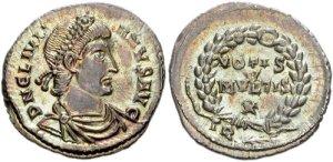 Figura 9) Giuliano II Augusto. 360-363 AD. AR Siliqua (18mm, 2.13 g, 12h). Zecca di Treveri. DN CL IVLIA-NVS PF AVG, capo diademato con perle, busto corazzato e drappeggiato rivolto a destra / VOTIS V/ MVLTIS X inscritto in una corona; TR. RIC VIII 365; RSC 157b. (www.cngcoins.com)
