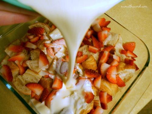 strawberries & cream croissant puff 5
