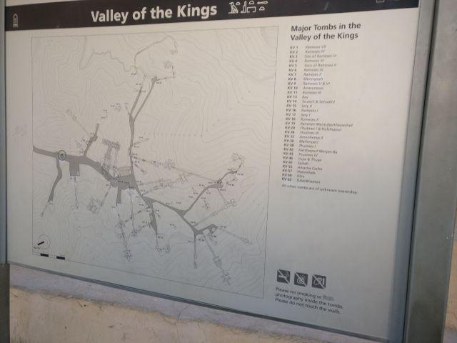 Plano del valle de los reyes a la entrada