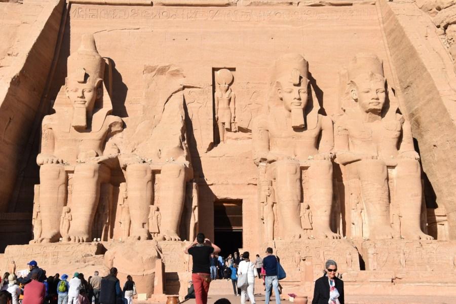 Panorámica del tenolo de Ramses en Abú Simbel