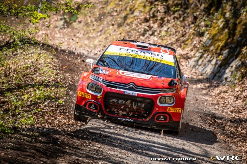 Mads Ostberg vence WRC2