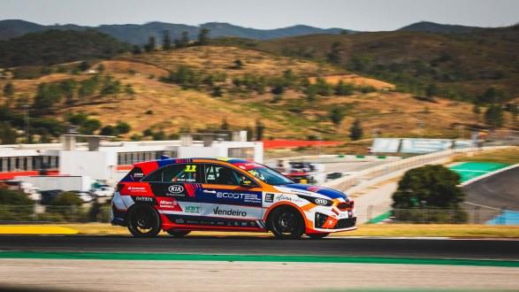Kia GT Cup inicia 4ª temporada com recorde de inscritos em Portimão!