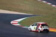 Rafael Antunes com estreia positiva no automobilismo