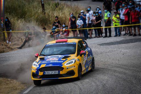 Problema de transmissão motiva abandono do Ford Fiesta Rally3