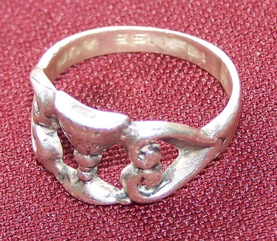 Ring worn by finally professed Handmaids of the Precious Blood.