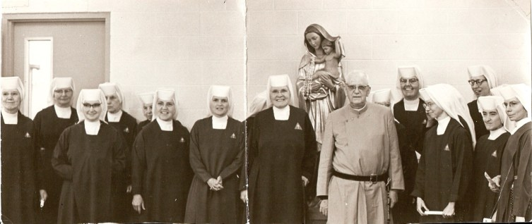Witnessing life with our Founder and Pioneer Handmaids. A June 1968 visit with our Founder just before his sudden death. Sister is 2nd from right.