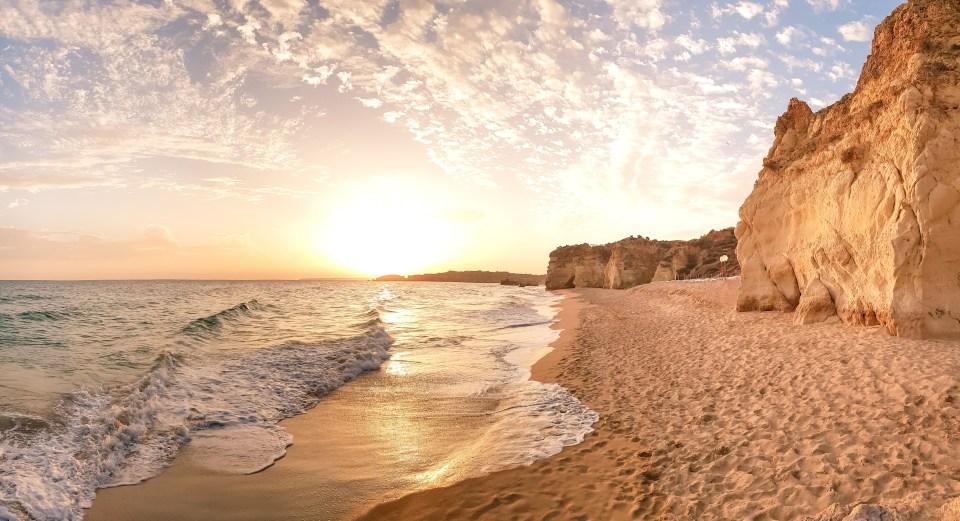 Praia dos Três Castelos // Melhores Praias do Algarve