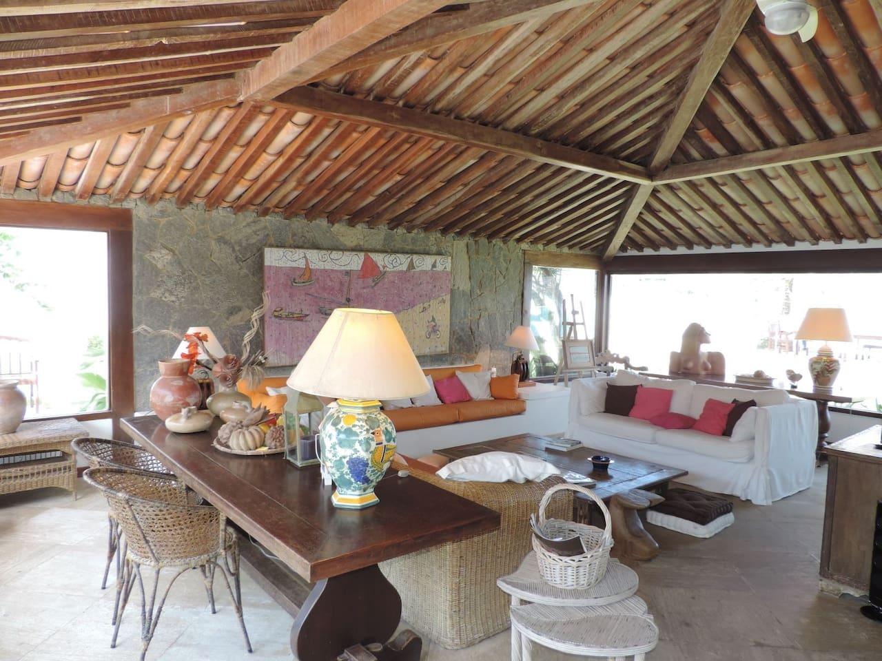 Casa Rústica na Praia da Ferradura, em Búzios