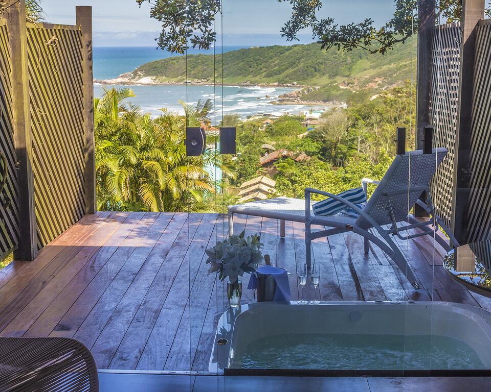 Onde ficar na Praia do Rosa / Pousada das Bougainvilles