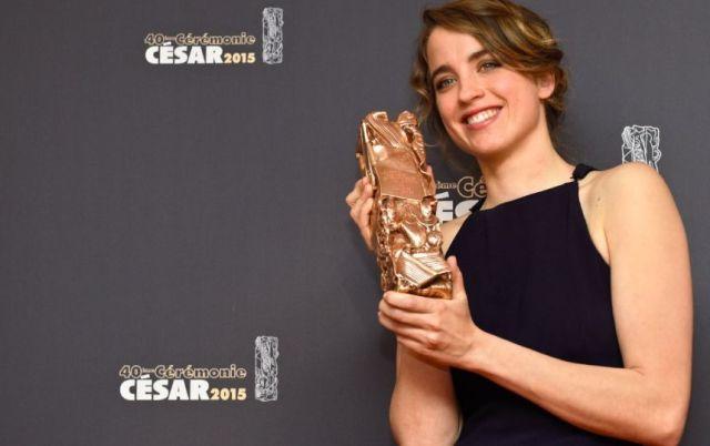 Adèle Haenel con il César vinto come migliore attrice dell'anno