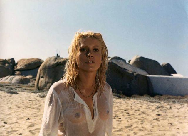 Catherine Deneuve in 'La cagna'