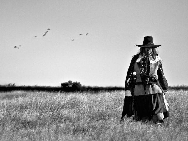 field-in-england-2013-001-man-in-wheat-field_1000x750