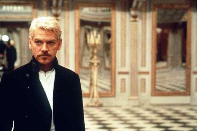 'Hamlet' di e con Kenneth Branagh