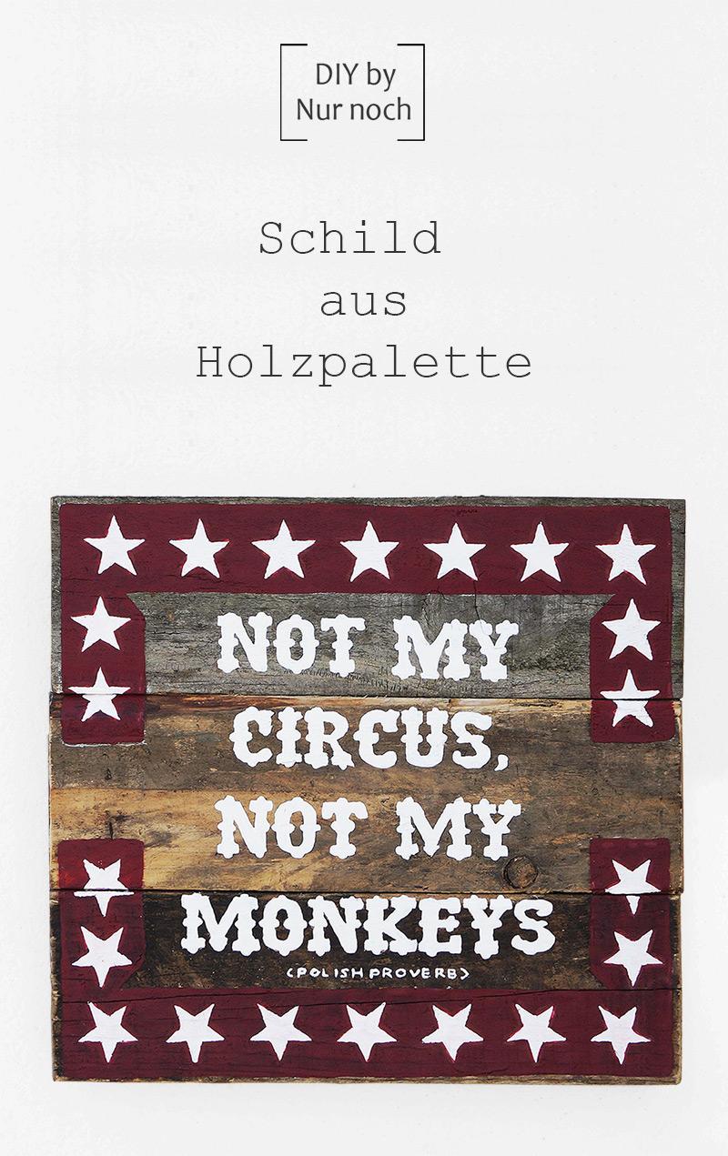 Schild aus Holzpalette