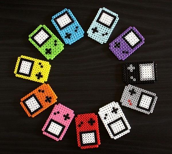 perler_beads_game_boy_fridge_magnets_2