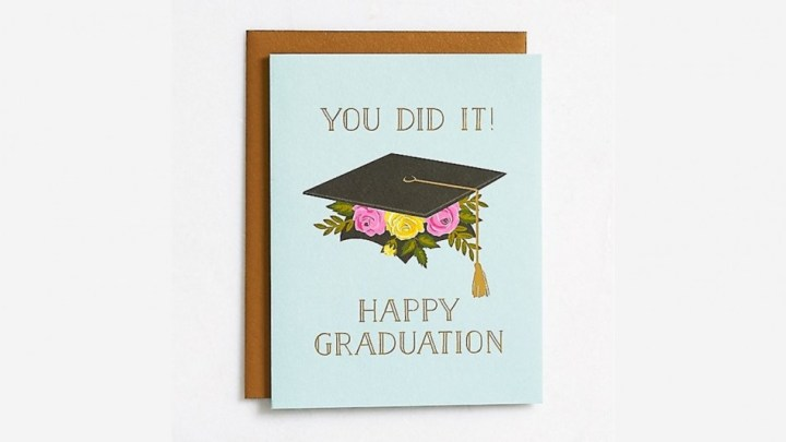 Contoh Greeting Card Graduation