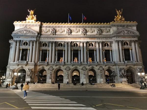 Opera Granier lugares imprescindibles que visitar en París