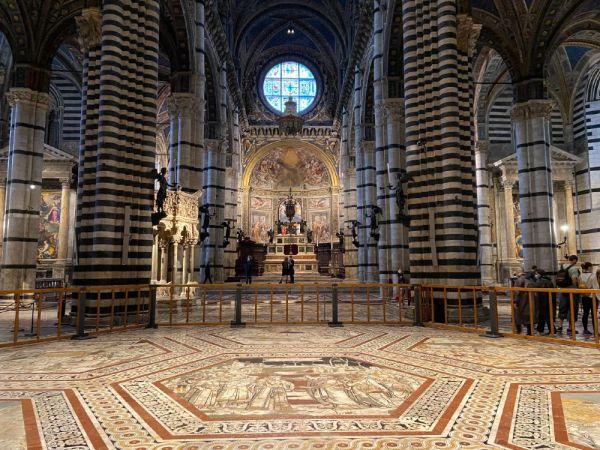 interior Catedral de Siena