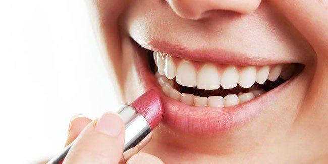 Tips Memakai Lipstick Dengan Betul Untuk Bibir Kering