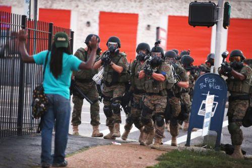 Police-action-in-Ferguson-690