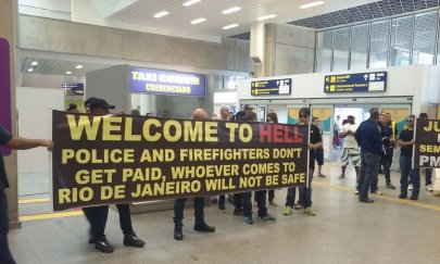 Police officers at Rio's international airport protesting severe lack of funding and resources. (airstrike/imgur)