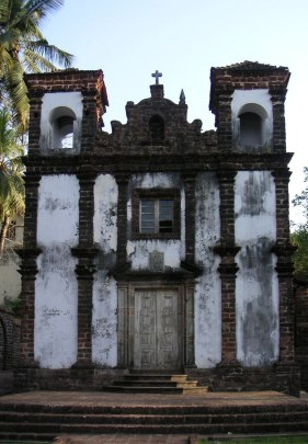 A white colonial chapel.