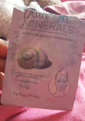 Dead Sea Minerals clay face mask pouch