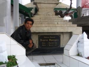 Makam Sultan Hasanuddin (foto2 dok pribadi Nur Terbit)