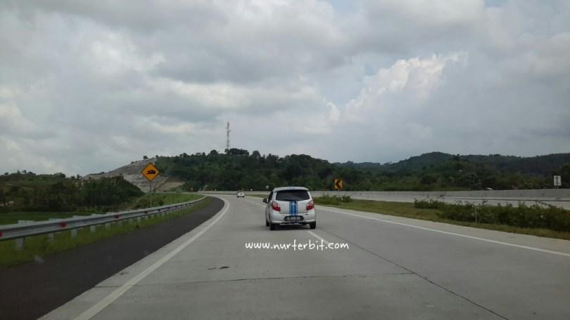 Perjalanan menuju 'Parisj van Java' Bandung, Jawa Barat (foto Nur Terbit)