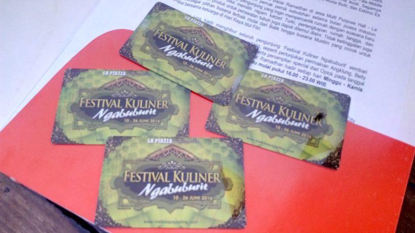 Uang plastik sebagai alat transaksi di arena Festival Kuliner La Piazza, Summarecon, Sentra Kelapa Gading, Jakarts Utara (foto dok pribadi)