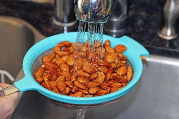 how-to-make-almond-milk-8