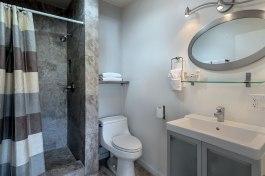 Room 7 Bathroom-1600