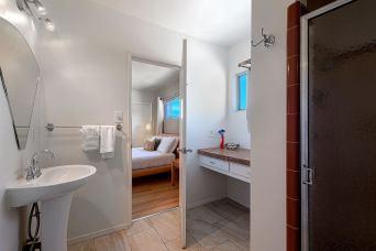 godroom 3 bathroom