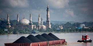 Foto ilustrasi pemandangan sungai mahakam