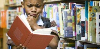 Anak membaca (Foto Ilustrasi/Istimewa)