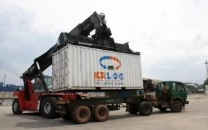 Ilustrasi pemindahan kontainer Kereta Api Logistik (Kalog)/Foto istimewa
