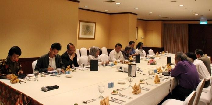 working lunch dengan 12 kementerian/lembaga (k/l) terkait pencegahan dan penanganan pornografi di hotel borobudur jakarta Senin (14/10/2016). foto dok humas kemenkopmk